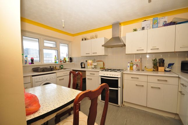 Thumbnail Flat to rent in Meriden Road, Southsea