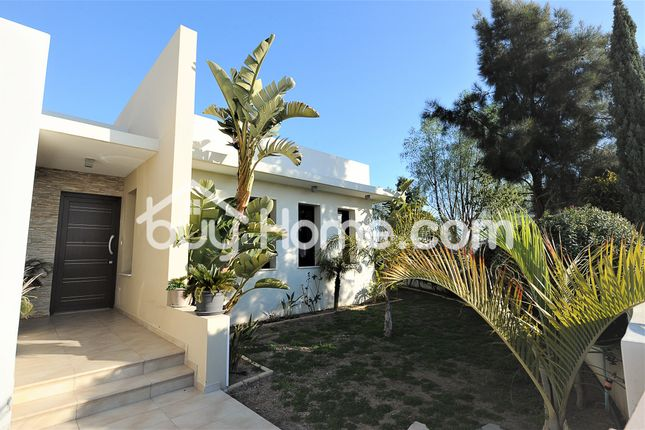 3 bed bungalow for sale in Krasa, Larnaca, Cyprus