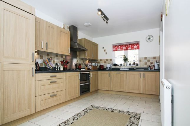 Thumbnail Semi-detached house for sale in Southfields, Frome