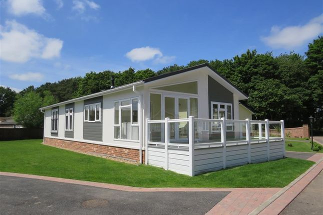Thumbnail Mobile/park home for sale in Haveringland, Norwich