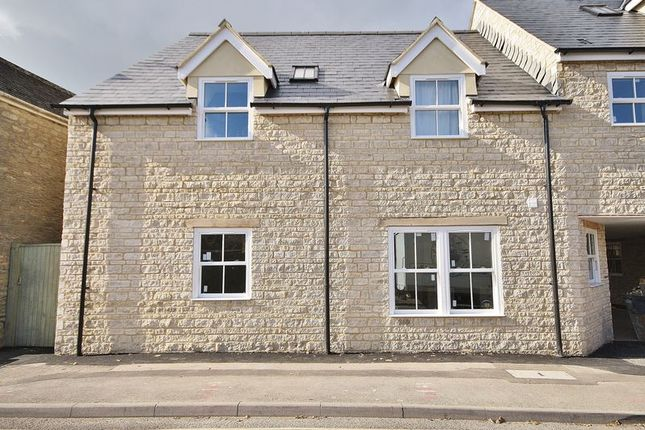 Thumbnail Flat for sale in Jack's Corner, The Crofts, Witney Town Centre