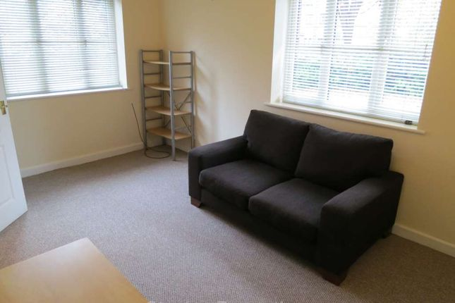 Flat to rent in Candleford Road, Withington, Manchester