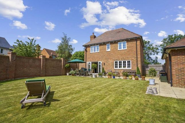 Thumbnail Country house for sale in Cleresden Rise, Cliddesden