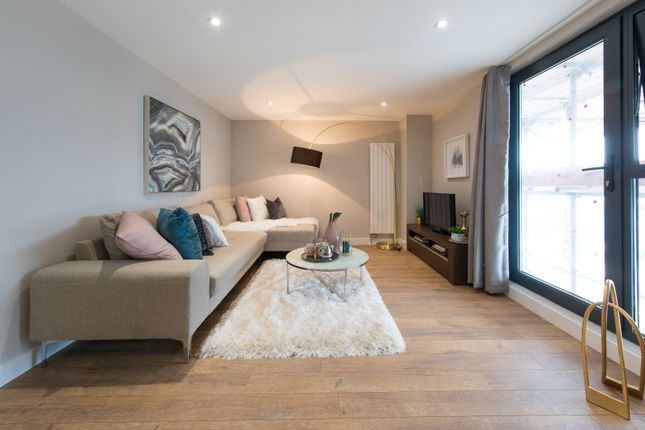Thumbnail Flat for sale in Victoria Avenue, Southend-On-Sea, Essex