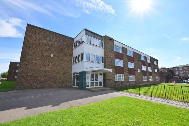 Thumbnail Studio to rent in Selwyn Court, Long Meadow, Aylesbury