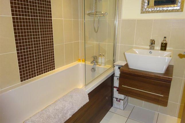 Bathroom of College Court, Dringhouses, York YO24