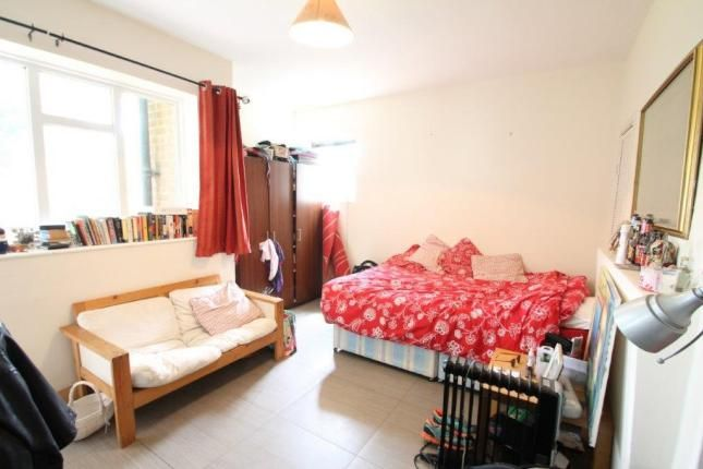 Thumbnail Flat to rent in County Street, Borough