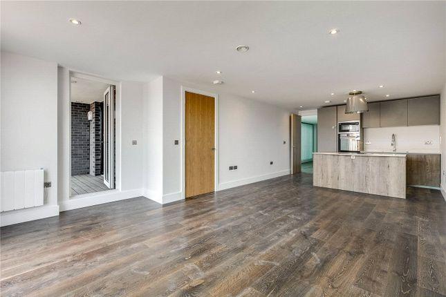 Flat for sale in 25 Downham Road, London