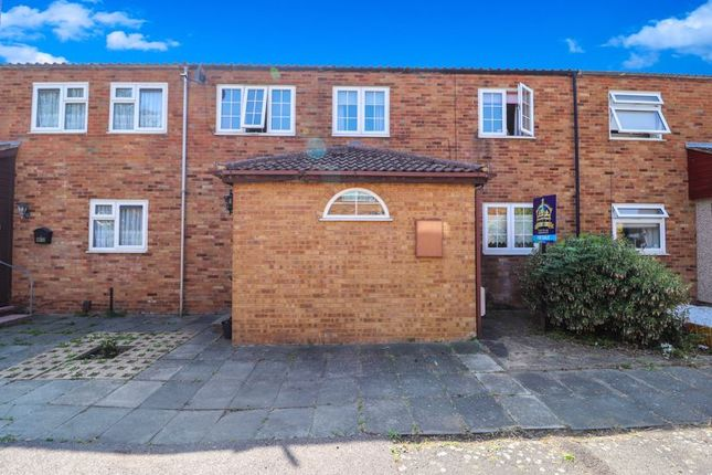 Thumbnail Terraced house for sale in Maydells, Pitsea, Basildon