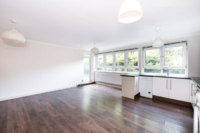 3 bed flat for sale in King Henrys Road, London
