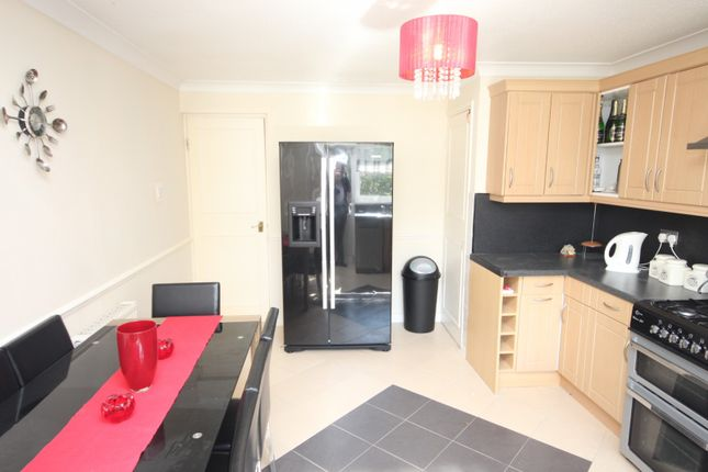 3 bed property to rent in Ashfields, Basildon SS13