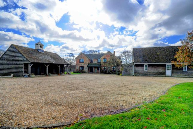 Thumbnail Country house for sale in Chinnor Hill, Chinnor