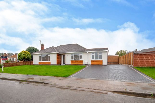 Thumbnail Bungalow for sale in Rivergreen Crescent, Bramcote, Nottingham