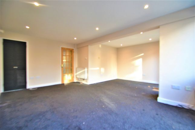 Thumbnail Terraced house to rent in Tiptree Crescrent, Ilford