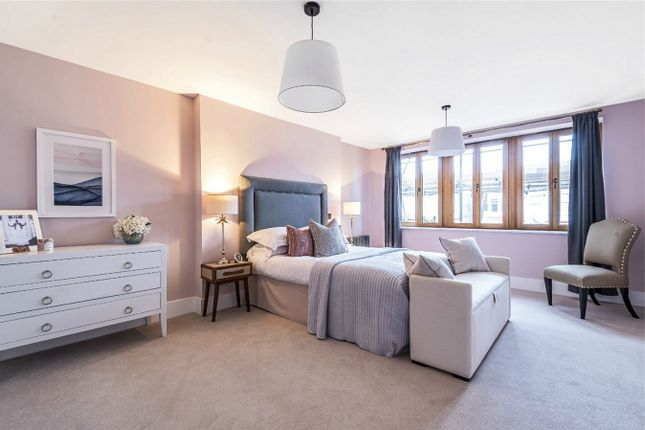 Thumbnail Terraced house for sale in Victoria Avenue, Finchley Central, London