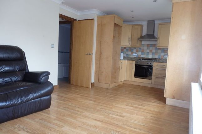 Thumbnail Flat to rent in Felinfoel, Llanelli