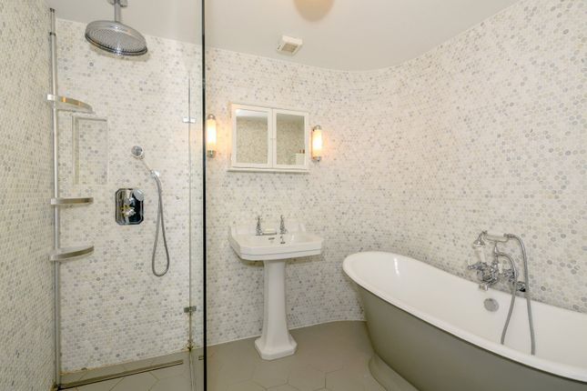 En Suite of Palace Gate, Exeter, Devon EX1