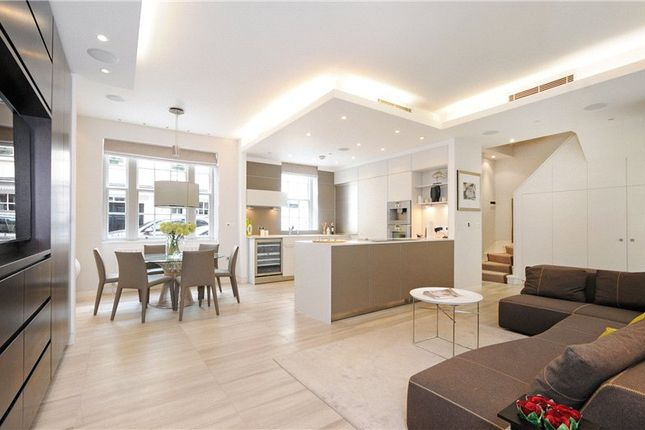 Thumbnail Mews house to rent in Lowndes Close, Belgravia, London
