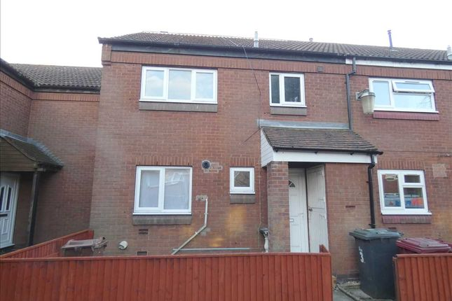 Thumbnail Town house to rent in Grassmoor Court, Scunthorpe