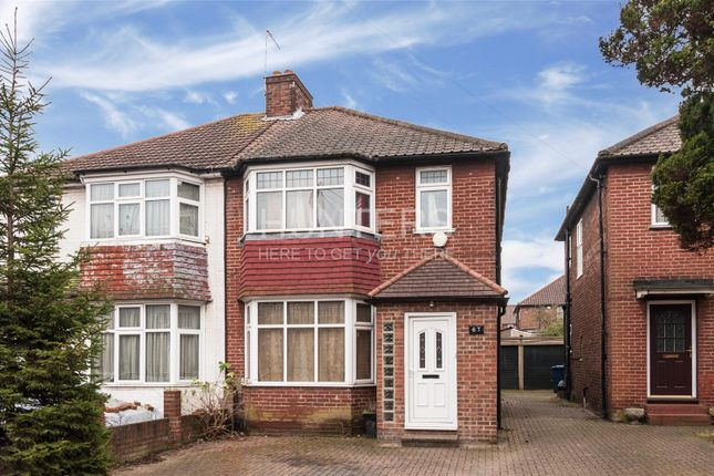 3 bed property for sale in Cumbrian Gardens, London
