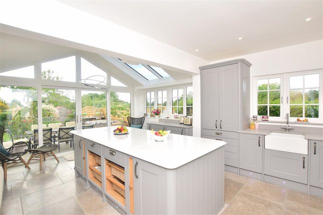 Thumbnail Bungalow for sale in Headcorn Road, Sutton Valence, Maidstone, Kent