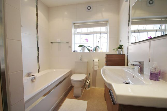 Bathroom of Third Avenue, Broadwater, Worthing BN14