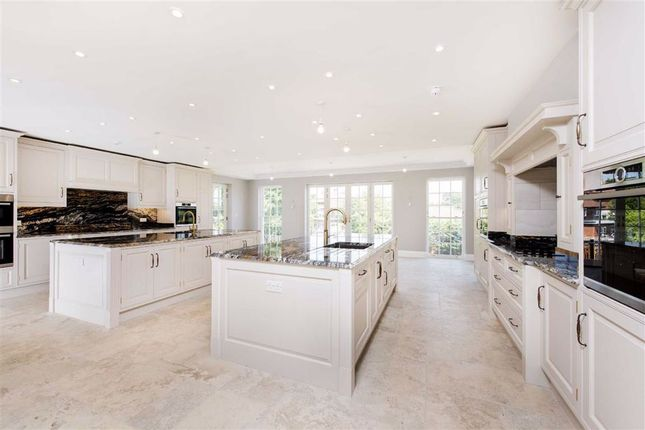 Thumbnail Detached house for sale in Abbey View, Mill Hill, London