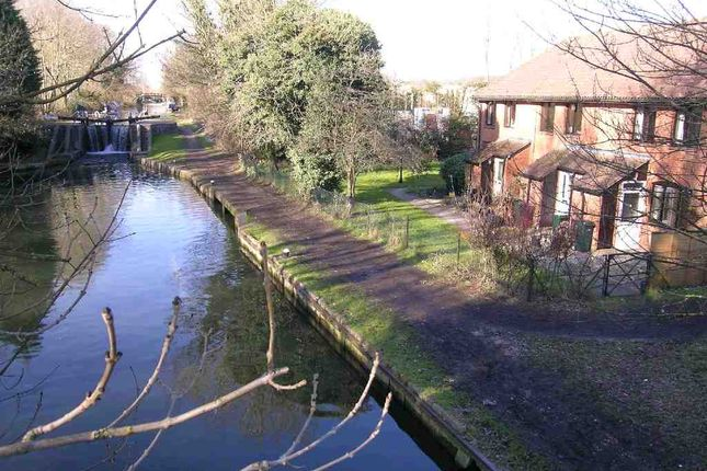 Thumbnail Maisonette to rent in Kingfisher Lure, Water Lane, Kings Langley