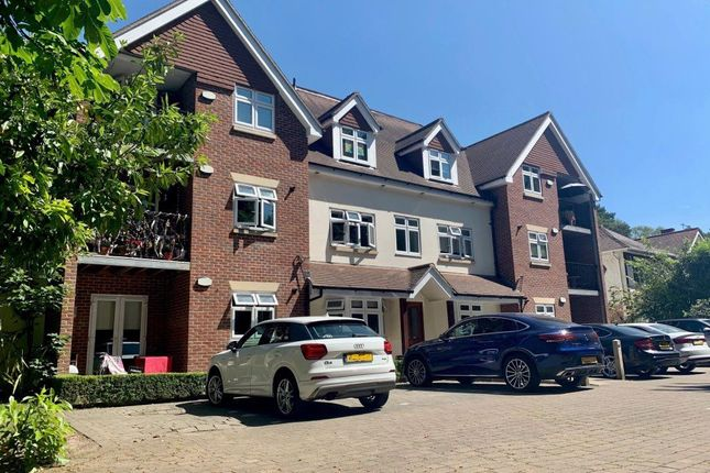 Thumbnail Flat to rent in Queens Park Avenue, Bournemouth