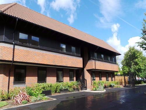 2 bed flat to rent in Hamnett Court, Warrington WA3