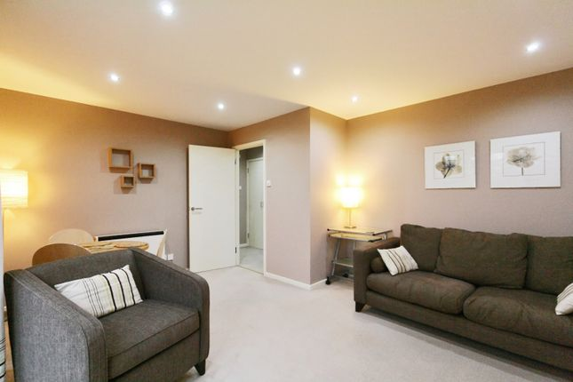 Thumbnail Flat to rent in Archers Lodge, Culloden Close, London