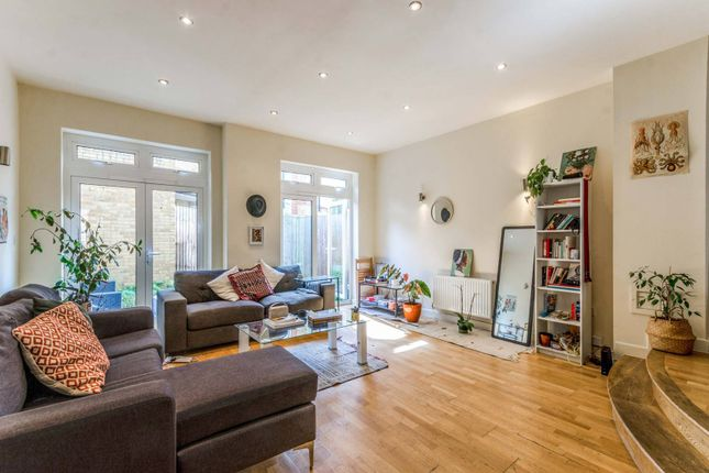 Thumbnail Property for sale in Hertford Road, Islington, London