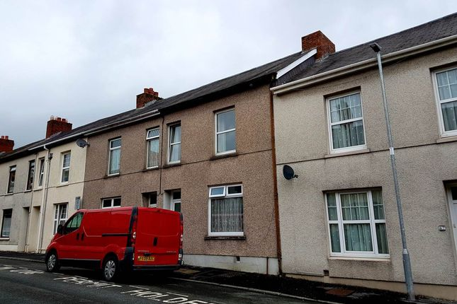 Thumbnail Property to rent in Parcmaen Street, Carmarthen, Carmarthenshire