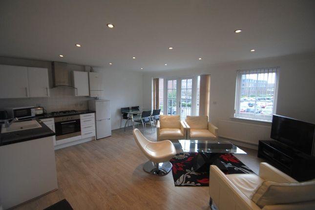Thumbnail Flat to rent in Elphins Drive, Warrington