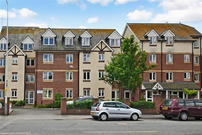 Thumbnail Flat to rent in Mount Street Mews, Mount Street, Hythe
