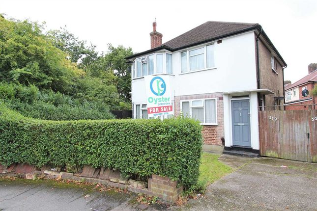 Thumbnail Flat for sale in Honeypot Lane, Stanmore