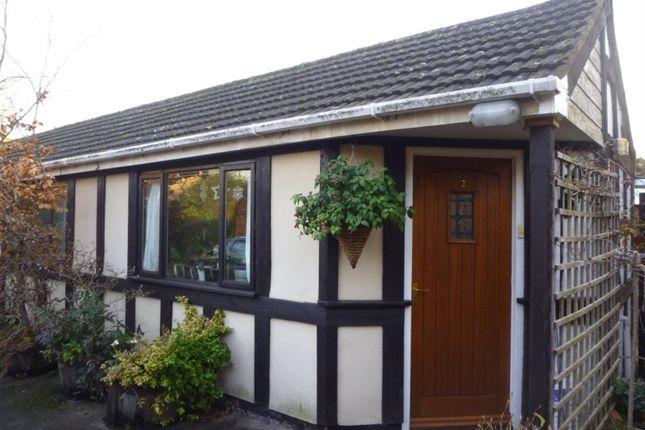 Thumbnail Bungalow to rent in Kixley Lane, Knowle