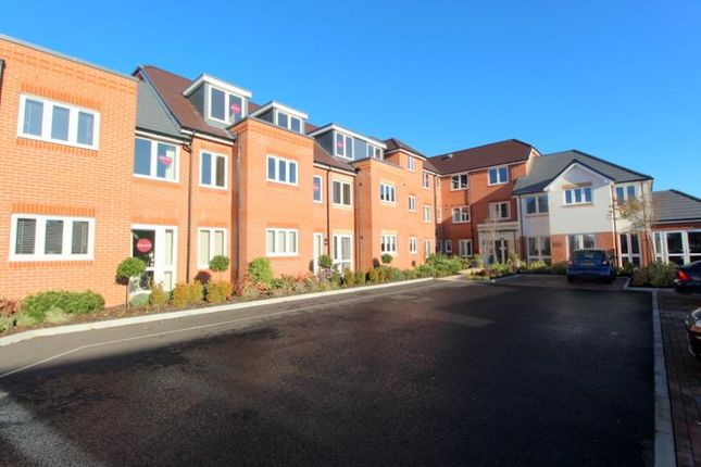 1 bed flat for sale in Pole Barn Lane, Frinton-On-Sea CO13