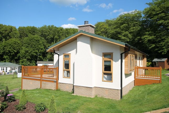 Thumbnail Detached bungalow for sale in Burnham Green Road, Welwyn