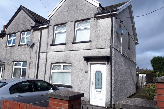 Thumbnail Property to rent in Central Avenue, Cefn Fforest, Blackwood