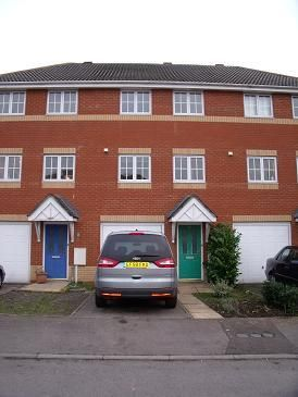 Thumbnail Town house to rent in Abbots Close, Kettering