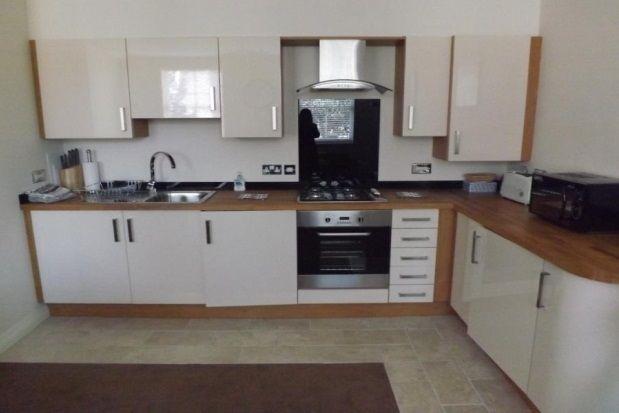 Thumbnail Flat to rent in York Road, Llandudno