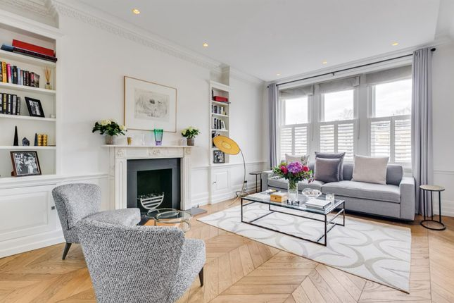 Flat for sale in Palace Court, Moscow Road, London