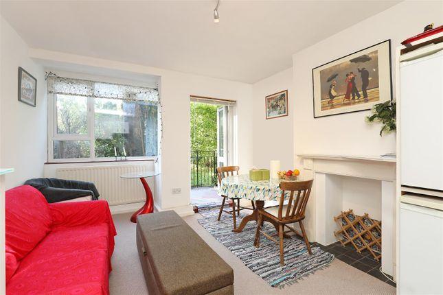 Thumbnail Flat to rent in Hayward Gardens, London