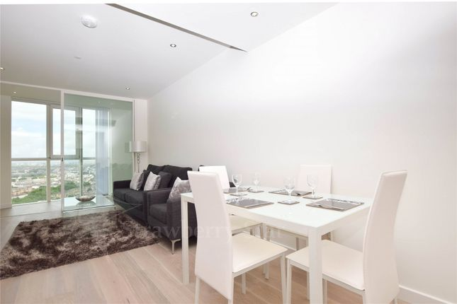 1 bed flat to rent in Sky Gardens, 155 Wandsworth Road, London