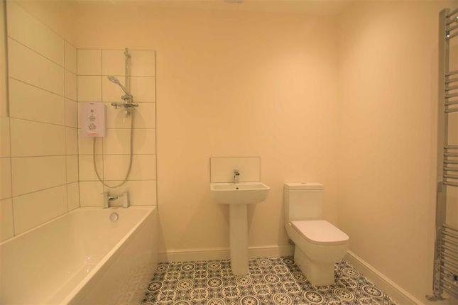 Family Bathroom of Stocks Lane, Stalybridge SK15