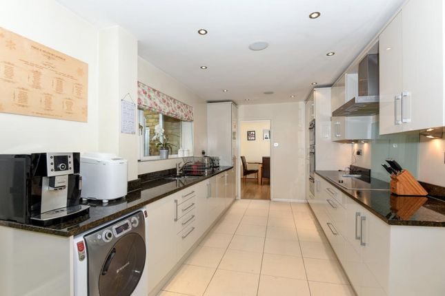 Thumbnail Detached house for sale in Heathermount Drive, Crowthorne