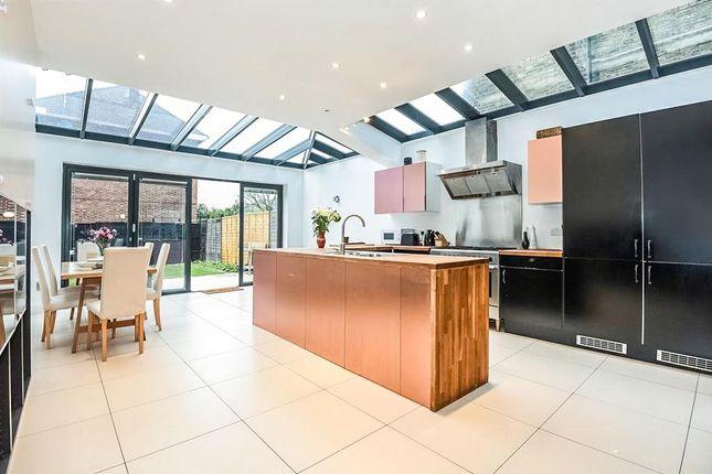 Thumbnail Terraced house for sale in Earlsfield Road, London
