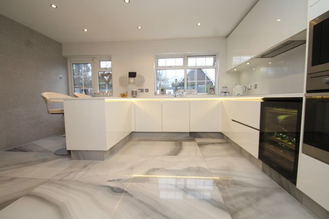 Thumbnail Detached house to rent in Serviden Drive, Bromley