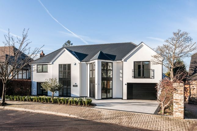 Thumbnail Detached house for sale in Call To View Mavelstone Close, Bromley